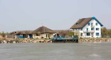 Villa le long du Danube